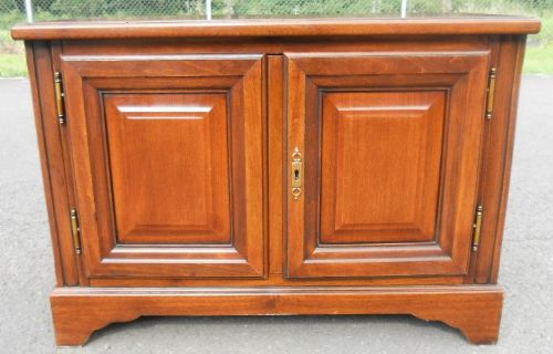 Small Mahogany Low Cupboard